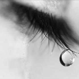 une larme... Larme